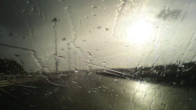 Przelotny deszcz utrudni podróżowanie