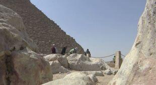W Egipcie dezynfekują okolice piramid